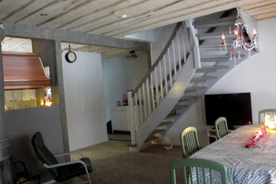 Oleskelutilat-sisustustyöt-portaat-sisustus