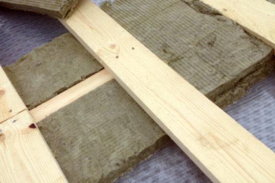 Palokatko-kattotyö-aluskate-asennus