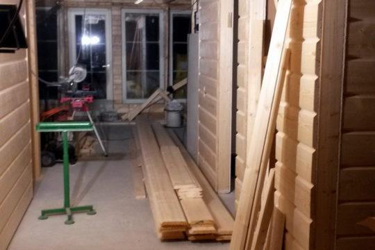 käytävä-panelointi-polarhouse-aava