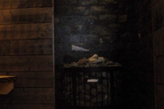 kiviseinä-seinälaatta-laatoitus-sauna